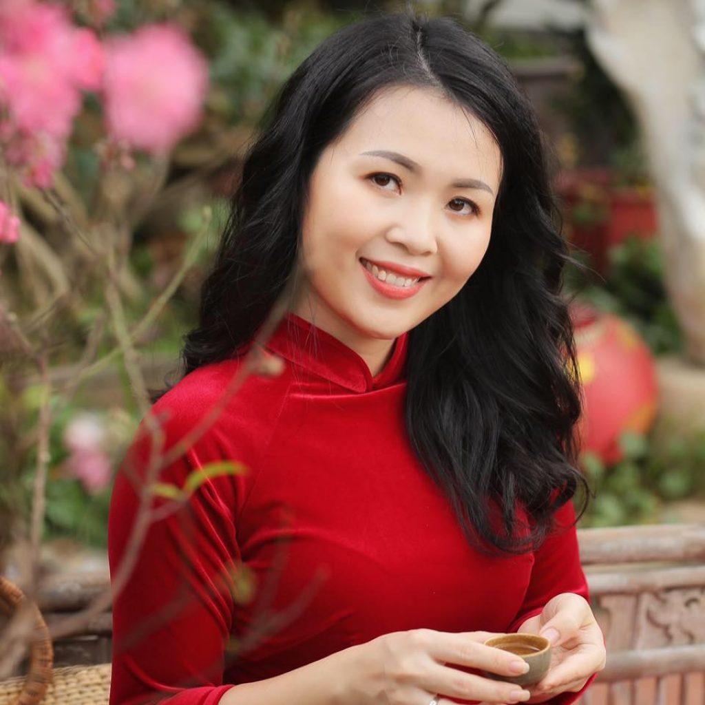 Cô Quách Phạm Thùy Trang - 2