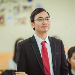Thầy-Vương-Văn-Huệ-2 (1)