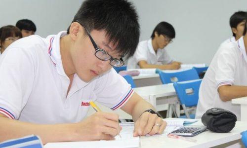 hoc sinh lơp 10 nhập học (1)